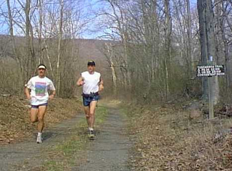 Joe Clapper and Derrick Carr at Mile 92 in 2000